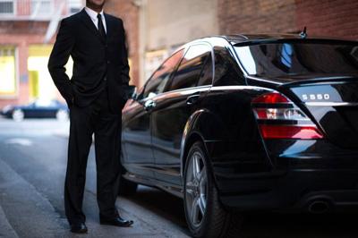 Chauffeur Dress Code_ Formal or Casual?